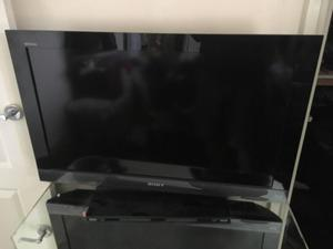 """Sony Bravia tv 32"""" lcd with built in Blu-ray player"""