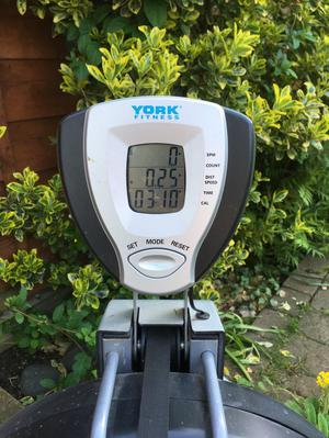York Fitness R201 Air Rower/ Rowing Machine