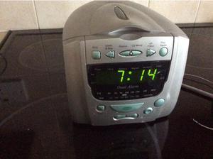 Clock/radio/CD in Basingstoke