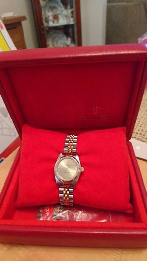 Ladies Rolex Oyster Watch. Full service history. Pristine condition.