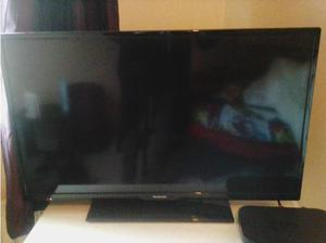 "Like New 32"" Panasonic LCD TV in Glasgow"