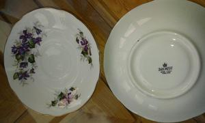 VINTAGE DUCHESS BONE CHINA TEA SET