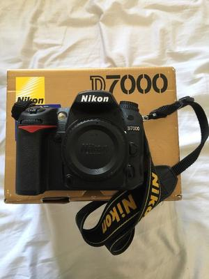 Full Nikon camera kit D with 2 lenses