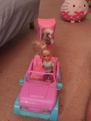 Fantastic horse trailer with doll and horse set