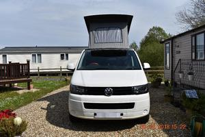 VW T5 T28 Campervan, stunning in Candy white