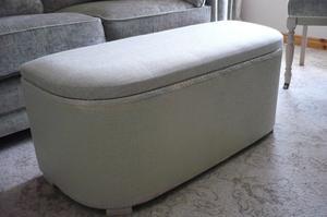 Blanket / Storage Box