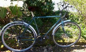 Raleigh Pioneer, hybrid road bike. Turquoise, 10 SIS gears