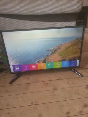 """for sale 28"""" hd led widescreen tv with freeview and remote £50"""