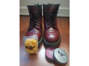 Dr Martens cherry boots 8 in Middlesbrough