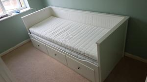 IKEA Hemnes Day bed and 2x mattresses