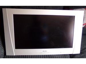 Bush 26 inch LCD Flat screen TV, with remote in perfect