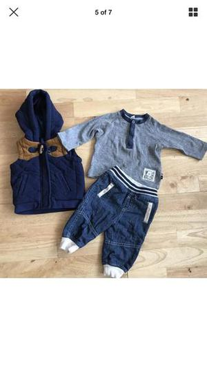 Excellent baby boys clothes 3/6 months