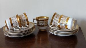 5 Royal Chelses tea cups, saucers & side plates.