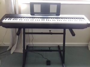 Digital Piano P35 Yamaha. Excellent condition, soft case (Yamaha), stand and sustain pedal FC