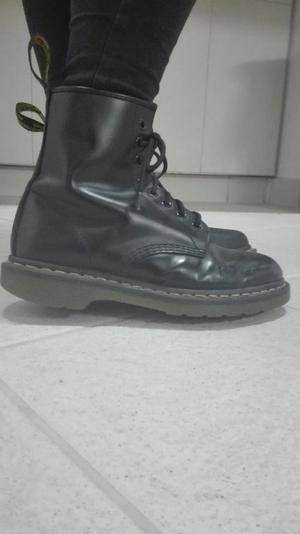 Dr Martens Black leather boots size UK 6
