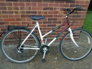 Ladies Raleigh hybrid bike