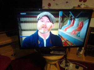 """lg 32"""" widescreen slimline tv with built in freeview"""