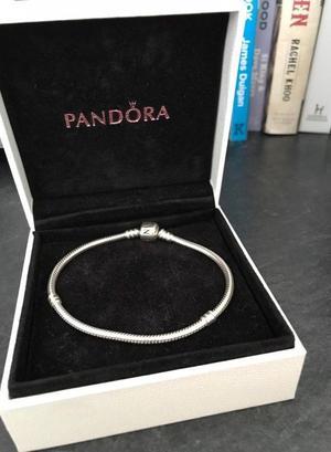 Brand New Genuine Silver Pandora Barrel Clasp Starter Bracelet RRP £55