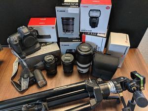Canon EOS 5D MKIII PLUS Mega Bundle