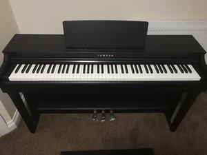 Yamaha CLP 625 - Clavinova Digital Piano