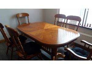 Dining room table and 6 chairs in Larne