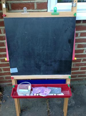 Children's double-sided wooden easel