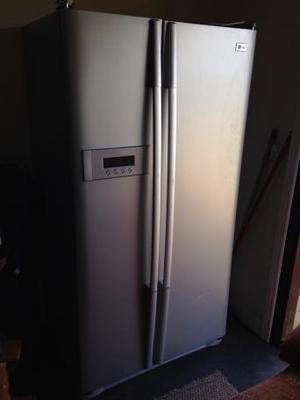 LG American Fridge Freezer for sale