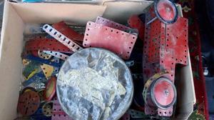 Large selection of vintage Mecanno