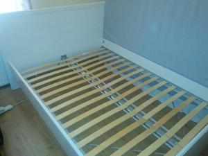 Double bed frame with base