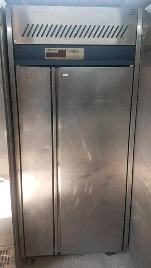 William commercial blast chiller Stainless steel fully working with guaranty in excellent condition