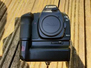 Canon 5D MK2 Body and Battery Grip