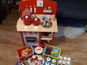 GLTC wooden cooker and accessories