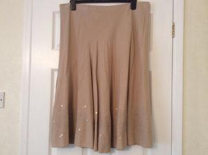 Womens Skirt - Size 20 (see all photos)