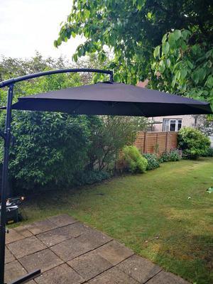 3m Black Cantilever Parasol
