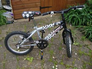 Boys Bicycle for sale in good condition would suit a boy who loves football age 4/7 years