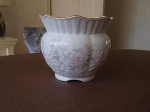 White Ceramic Plant Pot / Planter