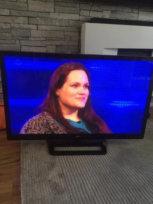 LG 42 INCH FULL HD TV BUILT IN FREEVIEW EXCELLENT CONDITION