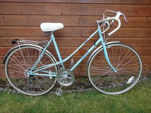 Ladies retro road bike, Countess, 27 inch wheels, 12 gears, 21 inch frame, rear rack, mud guards