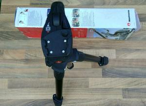 Manfrotto tripod in box and tags!look pictures what you see is what you get! can deliver or post!