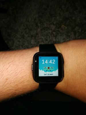 Fitbit Versa 1 Week Old Smart Watch