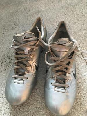 'mercurial vapors R9 chrome, used but in good condition