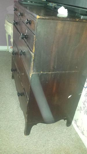 s large chest of drawers