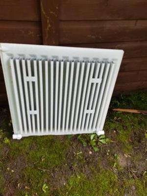 600mm x 600mm single panel central heating radiator, New/Unu
