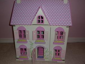 Dolls House, 3 floors, with 5 furniture sets