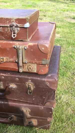 4 Vintage Leather Suitcases, collector item or display