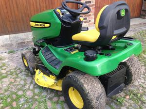 John-Deere X300 Ride on Mower / Lawn Tractor ONLY 76 hours