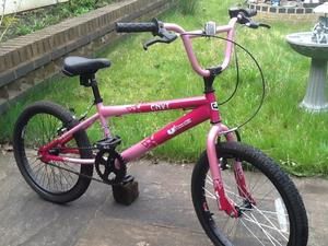 Pink girls vibe bmx stunt bike