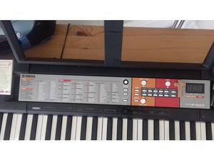 keyboard Yamaha PSR F50 in Lytham St. Annes