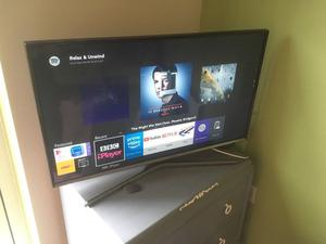 "32"" J series Flat Full HD Smart LED TV"
