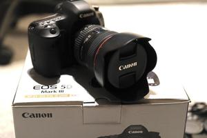 Canon 5D Mk iii with Canon EF mm F4 Lens - Low Shutter Count
